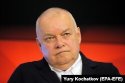 Russian state TV anchorman Dmitry Kiselyov (file photo)