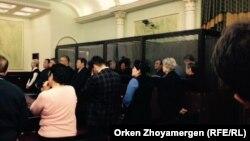 Оглашение приговора предпринимателю Тохтару Тулешову и другим фигурантам так называемого «дела Тулешова». Астана, 7 ноября 2016 года.