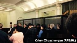 Оглашение приговора предпринимателю Тохтару Тулешову и другим фигурантам этого дела. Астана, 7 ноября 2016 года.