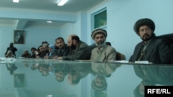 A provincial shura, or meeting of elders, in Wardak (photo by Ahto Lobjakas)