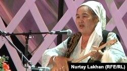 Ардагер айтыскер Әселхан Қалыбекова. Алматы, 2 маусым 2012 жыл.