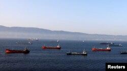 Neft tankerləri, arxiv fotosu