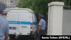 Сотрудники полиции в Алматы. Иллюстративное фото.