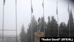 Статуата на Ленин во Таџикистан