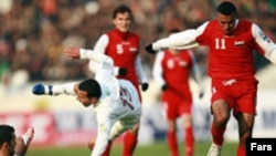 تیم ملی فوتبال سوریه در واکنش های خود حرکت رو به جلو را برای دستيابی به گل و کسب سه امتياز در دستور کار خود داشت و از سردی هوا نيز آسيب پذير نشان نداد.