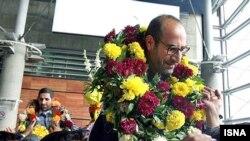 استقبال از ایرانیان آزاد شده در فرودگاه امام خمینی تهران.
