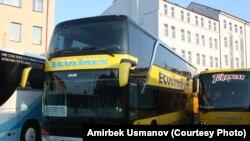 Латыш айдоочу Вайдотас Рагулис минген эки кабаттуу автобус. Праганын Флоренс автовокзалы.