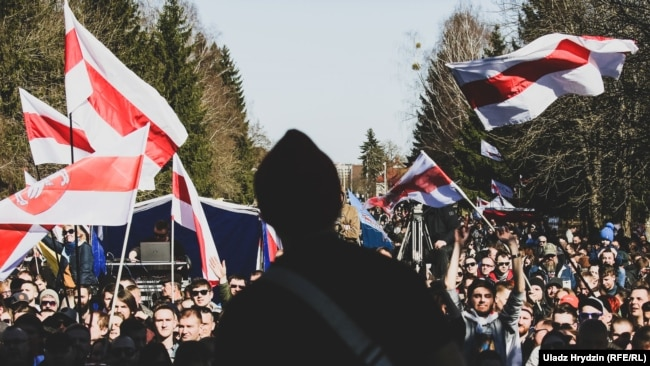 Тысячы чалавек на Дні Волі ў Горадні. ФОТАГАЛЕРЭЯ