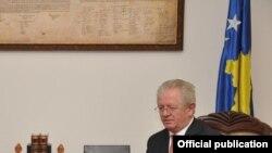 Skender Hiseni, ministar unutrašnjih poslova Kosova