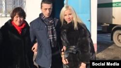 Хайсер Джемилев с матерью Сафинар и супругой Решиде 25 ноября