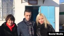 Хайсер Джемилев с матерью Сафинар и супругой Решиде 25 ноября 2016 года
