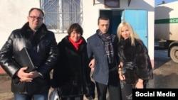 Хайсер Джемілєв із матір'ю Сафінар і дружиною Решиде, 25 листопада 2016 року