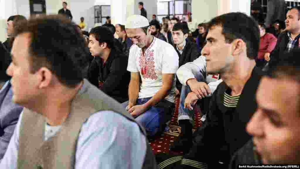 Независимо от того, где мусульмане встречают Курбан-байрам, в праздничный день они строго придерживаются всех традиций