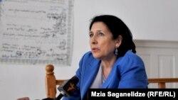 Саломе Зурабишвили, несмотря на аргументы Центральной избирательной комиссии, убеждена, что не существует законодательных препятствий для ее регистрации в качестве кандидата в президенты