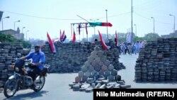 Таким чином прихильники Мурсі блокують вулиці в Каїрі, Єгипет, 1 серпня 2013 року
