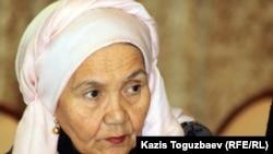 Жазушы Зейнеп Ахметова. Алматы, 9 қаңтар 2012 жыл.