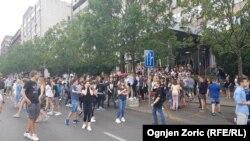 Đaci ispred Ministarstvo prosvete, nauke i tehnološkog razvoja Vlade Srbije, Beograd