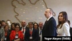 İ.Əliyev və M.Əliyeva prezident seçkisində səs verirlər. 11 aprel 2018