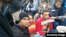پناهجویان ایرانی با لبان دوخته