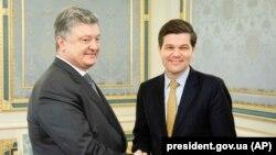 Президент України Петро Порошенко та Весс Мітчелл
