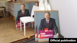 Un afiș electoral cu Peer Steinbruck
