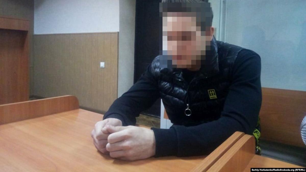 Суд отправил под арест подозреваемого в убийстве бахмутского активиста Мирошниченко
