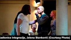 Miki Manojlović na probi, foto: Radionica integracije, Jelena Stanković