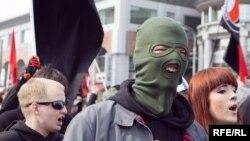 Колона антифашистов на первомайской демонстрации КПРФ в Москве