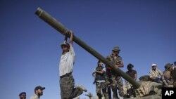Бойцы армии Национального переходного совета