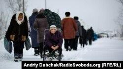 Иллюстрационное фото. Контрольный пункт пропуска КПВВ Станица Луганская.