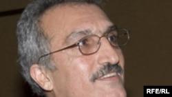 عباس میلانی استاد علوم سیاسی در دانشگاه استنفورد.