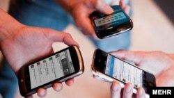 رئیس اتحادیه فروشندگان تلفن همراه دیماه پارسال از تقاضای ماهانه ۵۰۰ تا ۷۰۰ هزار گوشی همراه در ایران خبر داد.