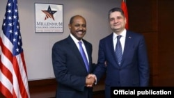 U.S. - Daniel Yohannes (L), CEO of the Millennium Challenge Corporation, meets with Armenian Prime Minister Tigran Sarkisian in Washington, 13Dec2012.