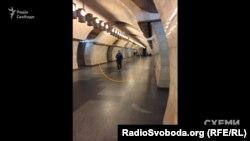Фото, зроблене Олександром Чорноваловим, станція метро «Печерська», Київ, 17 жовтня 2017 року