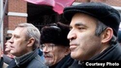 На какой платформе могут объединиться Касьянов с Каспаровым?