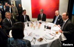 Обід президентів США і Франції Барака Обами і Франсуа Олланда, Париж, 5 червня 2014 року