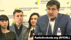 Бывший губернатор Одесской области Михаил Саакашвили (справа). Киев, 11 ноября 2016 года.