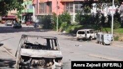 Последствия акции протеста возле Ибарского моста, Косовская Митровица, 22 июня 2014 года.
