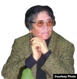 Ойниҳол Бобоназарова, ҳуқуқдони шинохтаи тоҷик