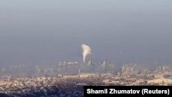 Окутанный смогом Алматы. 6 января 2018 года.