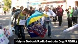 «Труна для адмінресурсу» в центрі Івано-Франківська, 7 вересня 2012 року