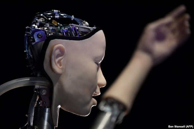 هوش مصنوعی در رباتی با صورت انسان