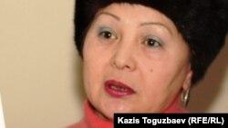 """""""Желтоқсан-86"""" қоғамдық ұйымының жетекшісі Гүлбаһрам Жүніс. Алматы, 1 ақпан 2012 жыл."""