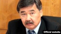 Медет Садыркулов.