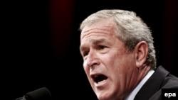 У Джорджа Буша осталось совсем немного времени на вывод своих активов из Белоруссии