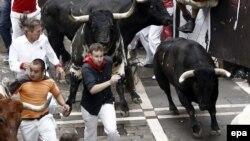 Испан фестивалы: букадан буйтоонун кызыгы