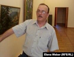 Научный сотрудник областного музея изобразительного искусства Александр Гехт. Караганда, 6 августа 2014 года.