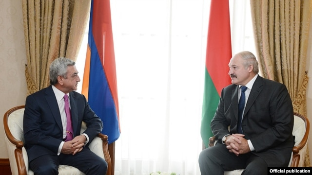 Russia - Presidents Serzh Sarkisian (L) of Armenia and Aleksandr Lukashenko of Belarus meet in Sochi, 23Sep2013.