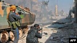 Сириялық оппозиция күштері исламшылдарға қарсы шайқасып жатыр. Әл-Баб қаласы, 22 ақпан 2017 жыл.