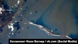 Керченский мост из космоса